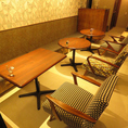 メインフロアにテーブルソファー席が6席ご用意あります。