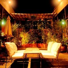 店名ilcortile=中庭という意味。大名ビル最上階とは思えない、特別空間。天気の良い日は、店内中央の中庭でのお食事も可能です。一組限定の特別席!