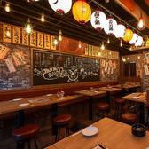 大衆食堂感のあふれる店内♪テーブル席を多数ご用意しておりますので、少人数~大人数まで対応可能です☆