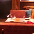 人気のソファー席はゆったり寛げて『お喋り女子会』に最適♪ 4名様までご利用可能。人気なので早めのご予約がおすすめ。コース利用のお客様が優先です。