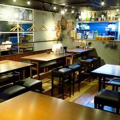 【2階】テーブル席がメインのフロア 最大20名