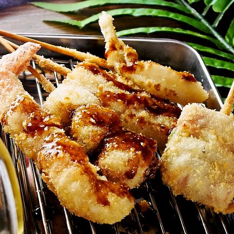 大阪の串カツを沖縄でも!野菜10種ブレンドのこだわりソースでサックサクの串カツを♪