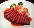 料理メニュー写真フランス産・小鴨のむね肉のロースト ハチミツワインソース