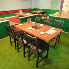 6~8名様まで利用頂けるテーブルが1席ございます。