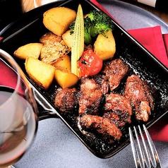 料理メニュー写真ブラックアンガスカットステーキ
