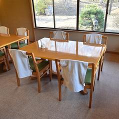 最大20名様でご利用いただける洋室個室のテーブル席です
