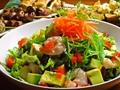 料理メニュー写真海老とアボカドのカクテルサラダ