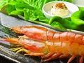 料理メニュー写真赤エビの串焼き(2本)