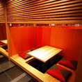 【半個室】女子会や会社帰りの飲み会に◎4名様~、仕切りをとれば8名様でご利用いただけるお席です