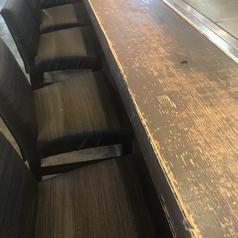 カウンター席を8席用意しております。鉄板を目の前に臨場感あふれる雰囲気を味わえます。