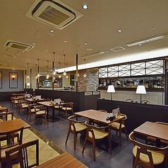 GRILL&BAKERY THE SEASON ミント神戸店の雰囲気1