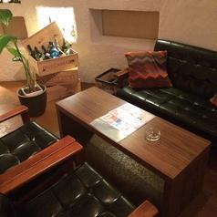 4名様用ソファ席です。夜カフェ使いや、女子会にも◎