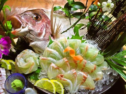 瀬戸内海の朝獲れ地ものの新鮮な魚介が食べられる。鮮度にこだわったお店。