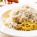 料理メニュー写真たっぷりシラスのペペロンチーノ