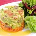 料理メニュー写真魚介とアボカドのタルタルサラダ