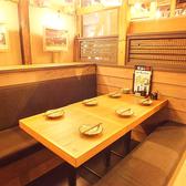 少人数の飲み会にぴったりのテーブル席をご用意しております♪