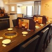 中央テーブル席は最大12名様までご利用可能です。