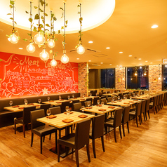 マイソンニューヨークキッチン MAISON NEWYORK KITCHEN 肉 BISTRO 姫路駅前店の雰囲気1