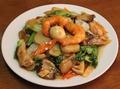 料理メニュー写真香港風黒酢酢豚/海鮮と野菜のXO醤炒め/海鮮八宝菜