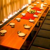 風情溢れる上質な堀りごたつ席で寛ぎのご宴会を…ゆったり足の伸ばせる広々とした個室席は大人数様でのご宴会にも対応しております。