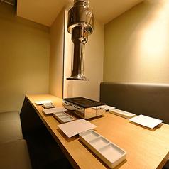 【安心の全席除菌対応個室】四辺はしっかりと仕切られている完全個室となっております。和情緒漂う個室空間でのご宴会をお楽しみ頂けます。食べ放題は3500円~お値段別に各種ご用意しております。すすきのでの各種宴会に◎!