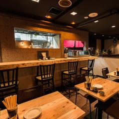 突発的なお食事や飲み会にも嬉しい空間。テーブル席は人数に合わせて繋げることもできます!お得なご宴会プランもご用意してます!!お問い合わせは050-5348-5546 までお気軽にご相談ください!