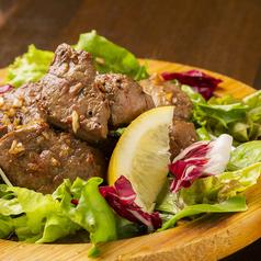 料理メニュー写真新鮮さが命!レバー好きのための牛レバーの炙り焼き