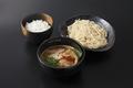 料理メニュー写真魚介豚骨スパイスカレーつけ麺
