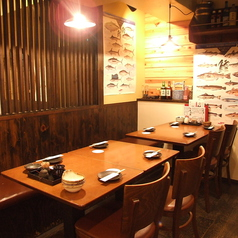 広々としたテーブル席落ち着いた食事、飲みに最適な席です!