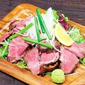 料理メニュー写真大漁ローストビーフ ウニ醤油添え