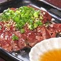 料理メニュー写真炙り鶏白レバー刺し(宮崎県産)
