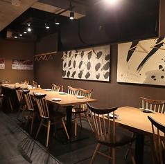 酒湊1階テーブルのお席です。2~最大15名様の移動可能なテーブルのお席です。