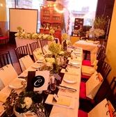 大切な食事会やレストランウェディングにも。アットホームなパーティが叶います。