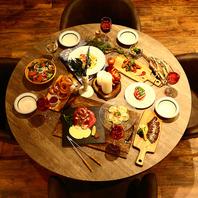 お肉とチーズの創作料理も人気♪常識にとらわれない料理