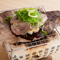 料理メニュー写真鴨ねぎの朴葉焼き