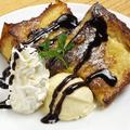 料理メニュー写真デニッシュパンの手作りフレンチトースト(1皿/2人前くらい)