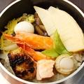 料理メニュー写真五目釜飯(並)