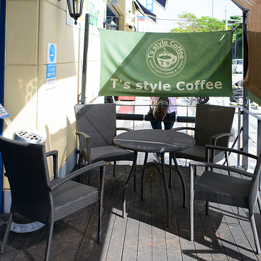 T's style Coffee 那覇新都心店の雰囲気1