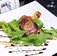 料理メニュー写真骨付若鶏のカリカリコンフィ