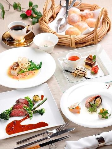 シェフおすすめコース\3800 非日常の特別な時間を愉しめるレストラン。