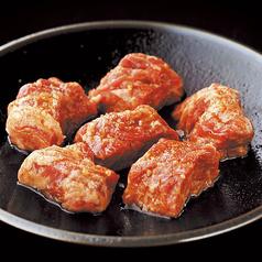 料理メニュー写真厚切りカルビ (たれ/塩だれ)