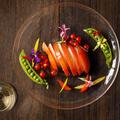 料理メニュー写真モッツァレラとフレッシュトマトのカプレーゼ