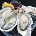 料理メニュー写真生牡蠣の食べ比べ3種盛り