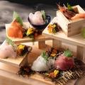 料理メニュー写真◆23番地 ・ 名物 ◆~漁師町の 【大漁・階段盛り】~ ★常時:5~7点盛り★