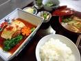 旬の食材を使用した本日のごはん(季節の家庭料理)です。