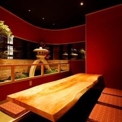 兼六園を象徴する灯篭を見ながらの食事。