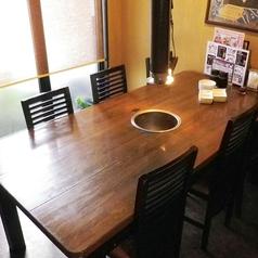 ご家族やご友人同士で♪4名様用テーブル席です。
