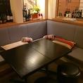 テーブルをくっつけると大人数でのご利用も可能。