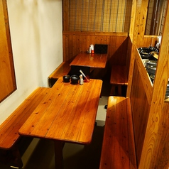6名様掛けのテーブル席もご用意!少人数宴会にはとっておきなお席となっております。