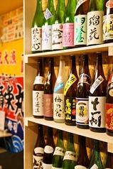 エントランスには日本酒がずらりと 中には限定酒も・・・・。あなたの好きなお酒が見つかります。